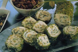 Rotolo di formaggi ai pistacchi
