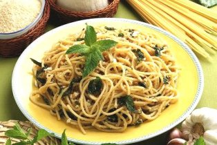 Spaghetti alla ricotta e menta