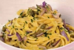 Spaghetti alla carbonara con melanzane
