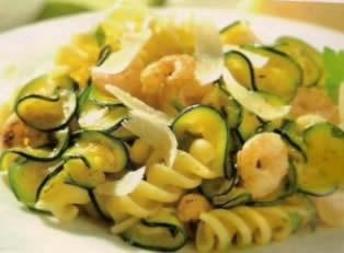 Fusilli con gamberi e zucchine