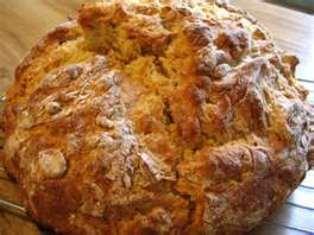 Pane di nocciole e fichi secchi